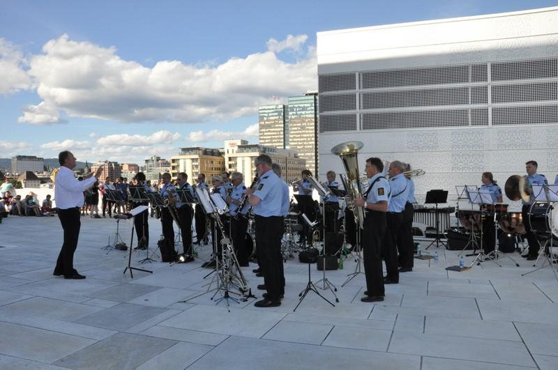 OPO spiller på Operataket 19.08.12 (Foto: Wenche-Helen Jensen)